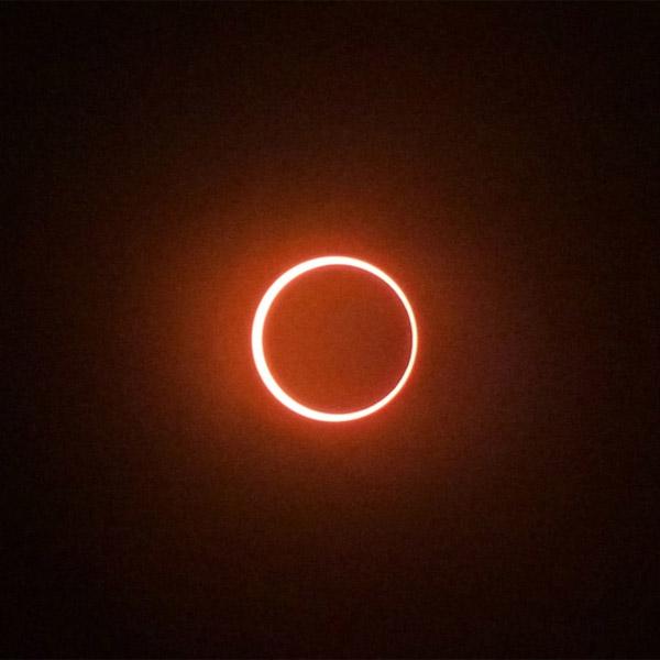 солнечное затмение, Луна, солнце, На Земле началось кольцеобразное солнечное затмение