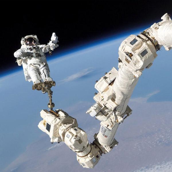 NASA, космическая станция, выход в открытый космос, Астронавты предотвратили утечку аммиака на космической станции