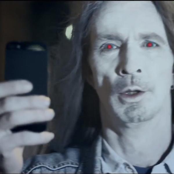 Nokia,Lumia,iPhone,реклама,зомби, Пользователи iPhone - зомби, считают в Nokia