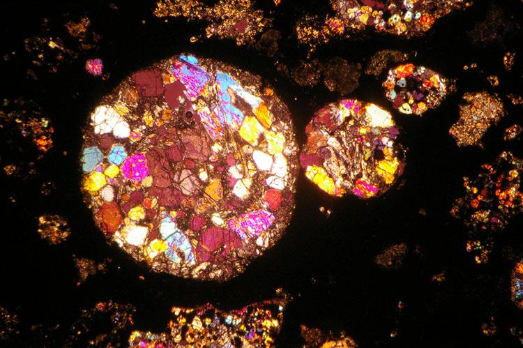 метеорит, Метеориты в разрезе похожи на природные витражи