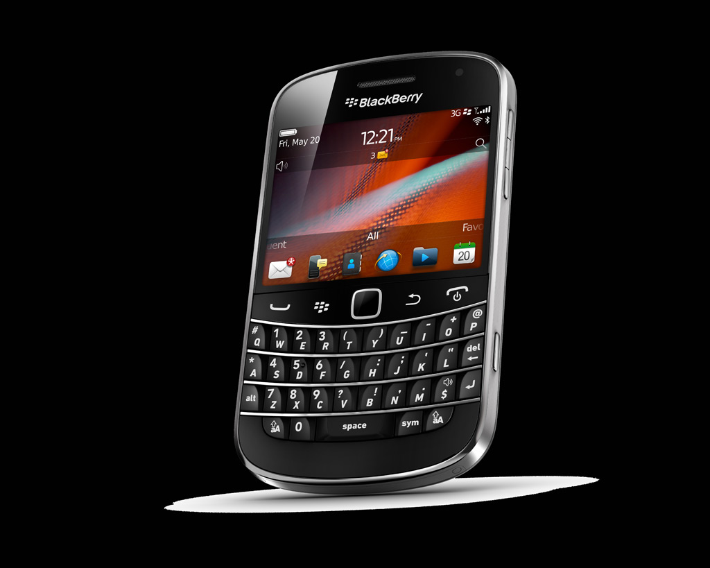 blackberry 9900 смартфон