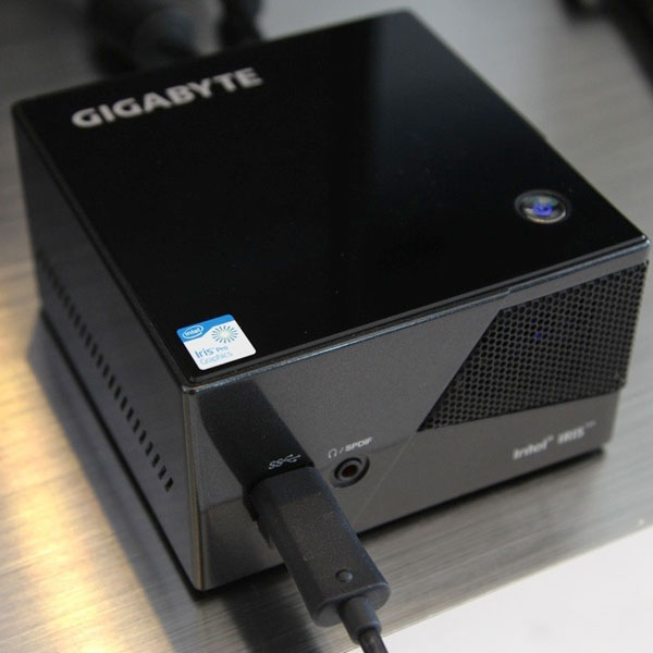 Gigabyte Brix II, баребон, консоль, Gigabyte, Xbox, Новый игровой Gigabyte меньше Xbox