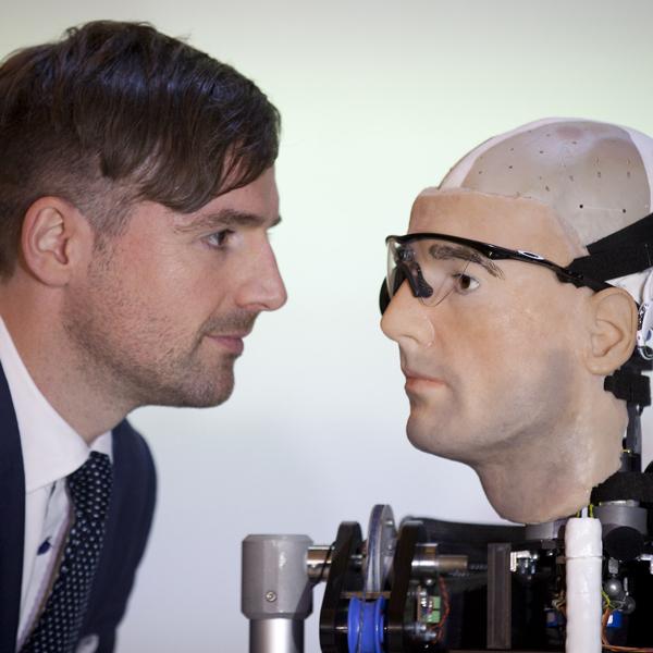 робот, биоробот, бионика, В Вашингтоне презентовали человекоподобного биоробота