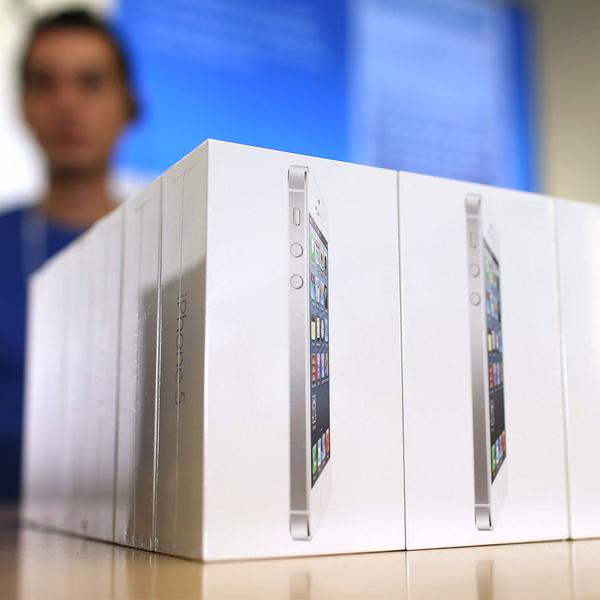 iPhone, iPhone 5s, iPhone 5c, Итоги продаж iPhone 5s и 5с за первые выходные подведены
