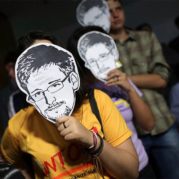Сноуден, суд, Для защиты Сноудена в суде собрано уже около 40 тысяч долларов