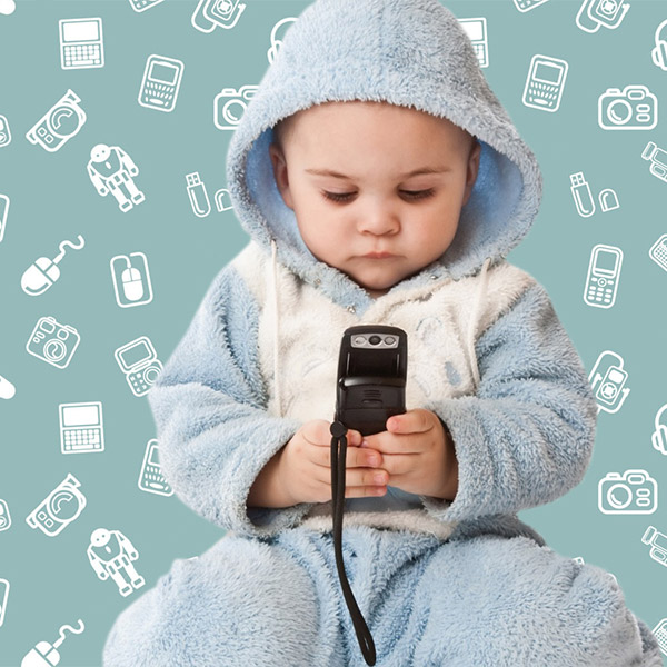 исследование, смартфоны, Первое слово для трети американских детей сложнее первого гаджета
