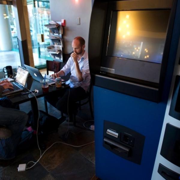 bitcoin, электронная коммерция, В Канаде электронную валюту теперь можно обналичивать через банкомат