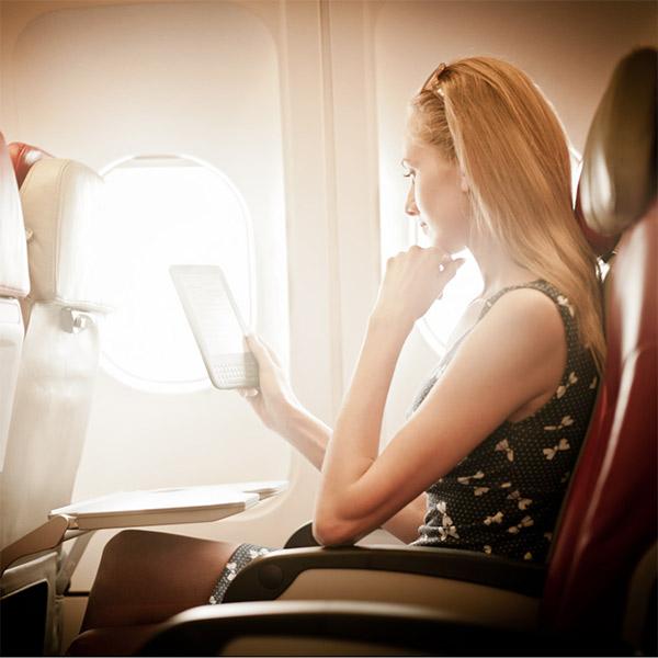 авиация, электронные устройства, В США ослабят правила использования электронных устройств в самолетах