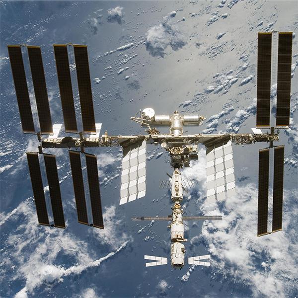 Олимпиада в Сочи, МКС, Олимпийский огонь теперь будет гореть и в космосе
