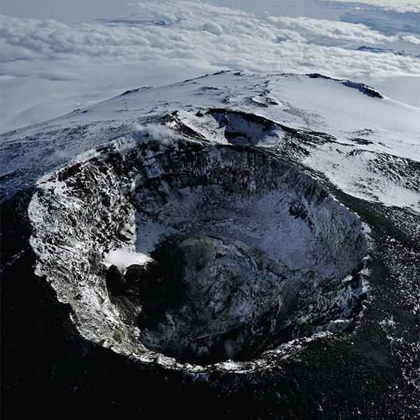 сейсмология, Антарктида, Подледный вулкан растапливает льды Антарктиды