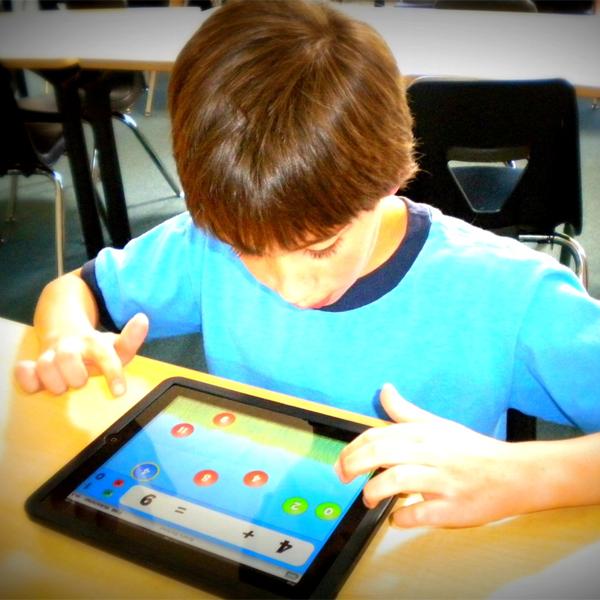 HP, планшеты, житейское, Эксперимент с заменой книг планшетами назван «катастрофой»