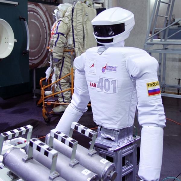 робот, роботехника, SAR-401, Роскосмос, В России создали робота для работы в открытом космосе