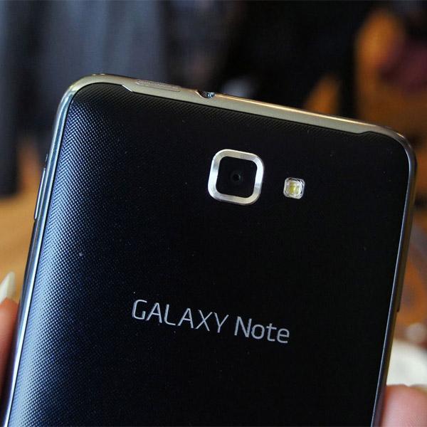 Samsung,смартфоны,Galaxy, Камеры в смартфонах Samsung: 20 мегапикселей и оптическая стабилизация