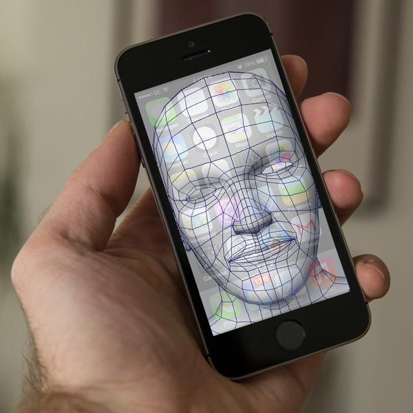 Apple, распознавание лиц, идентификация, распознавание, Apple научит свои гаджеты узнавать хозяев в лицо