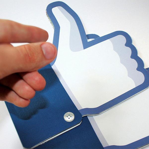 Вконтакте, Facebook, Facebook теряет пользователей в СНГ и отключает возможность трансляции постов «ВКонтакте»