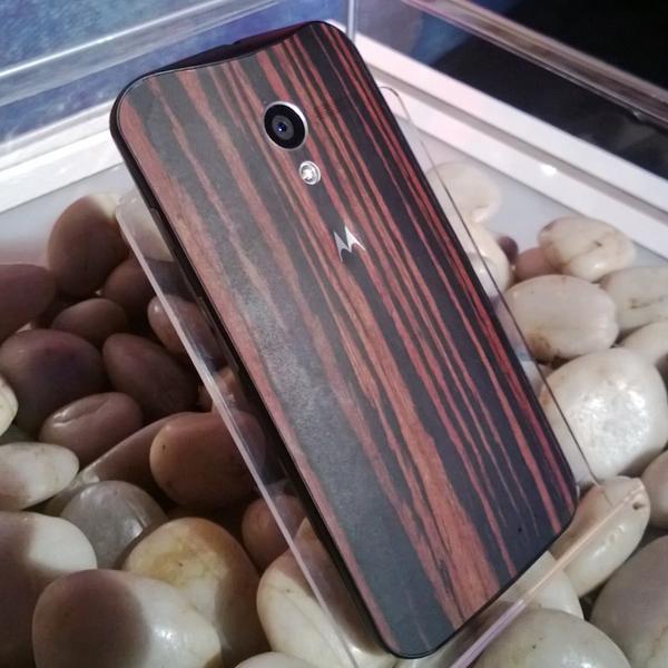 Motorola, Moto X, Moto X в корпусе из дерева