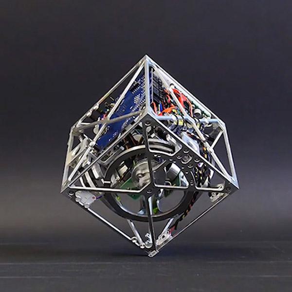 Cubli, баланс, гравитация, робот, Робот «Cubli» может балансировать на одном углу