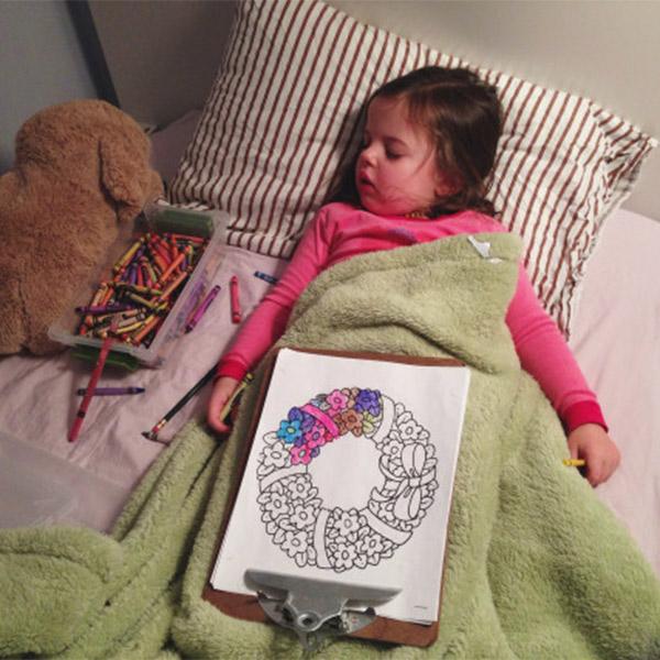 сон, психология, виральная тема, Девочка, которая не может заснуть без рисования, стала звездой интернета