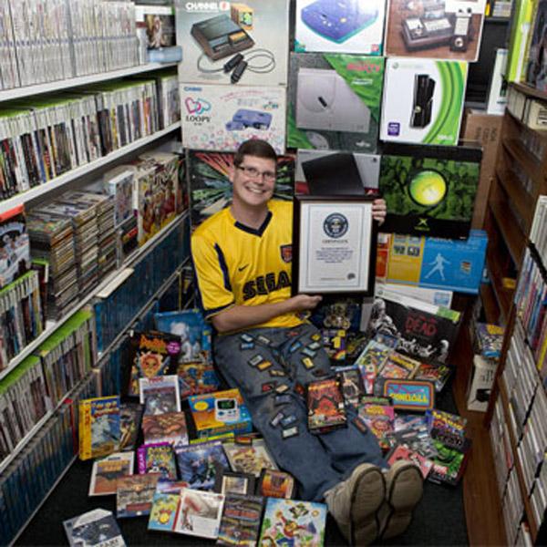 Книги рекордов Гиннесса, Cosmic Avenger, коллекция, Американец попал в книгу рекордов Гиннесса за огромную коллекцию игр