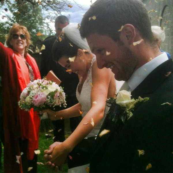 соц. сети, Отель Thistle Hotels предложил молодоженам сыграть свадьбу в социальных сетях