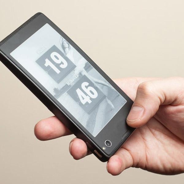 YotaPhone, Стартовала продажа смартфона YotaPhone