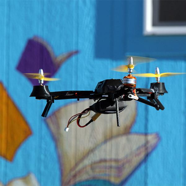 Дроны, беспилотник, Kickstarter, Pocket Drone поможет получить захватывающие видео с воздуха
