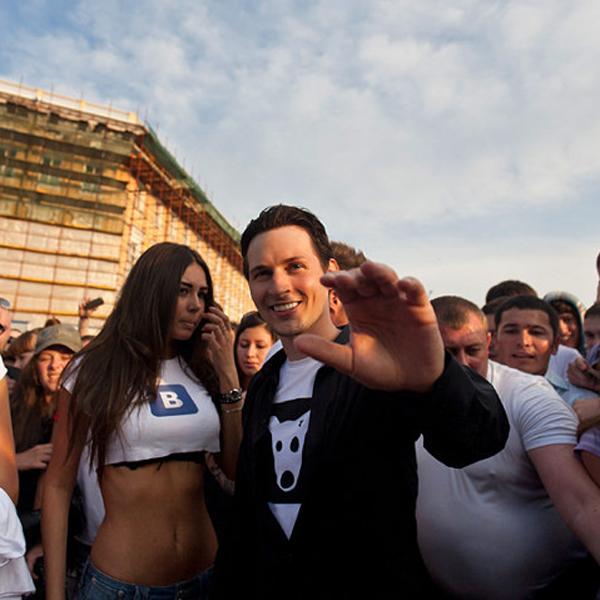 Павел Дуров, ВКонтакте, стена верни Дурова, Пресс-служба «ВКонтакте» опровергает уход Павла Дурова