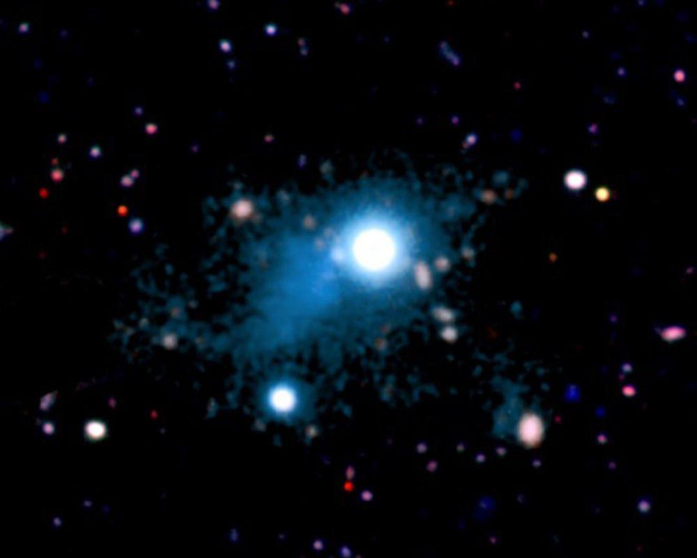 туманность вокруг квазара UM287