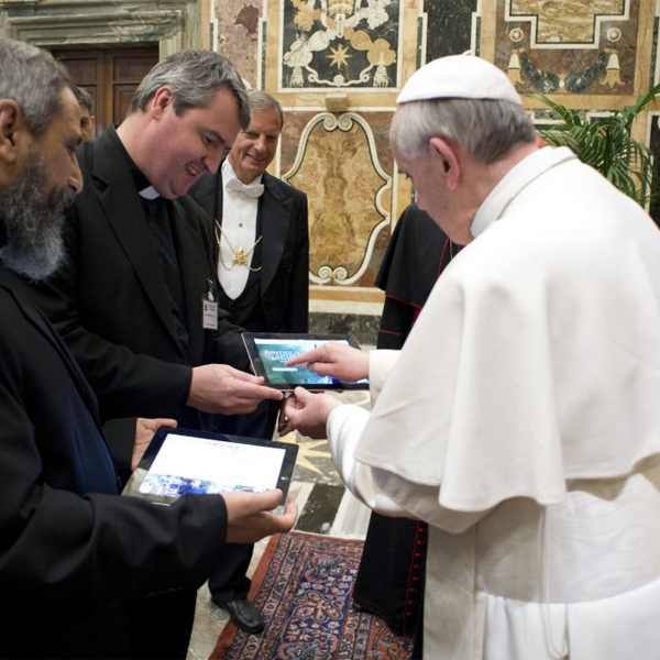 Папа Римский, Папа Римский Франциск: Интернет – это дар божий