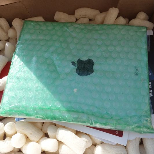 Apple, iPad, ритейл, Под видом iPad американцам продавали керамическую плитку