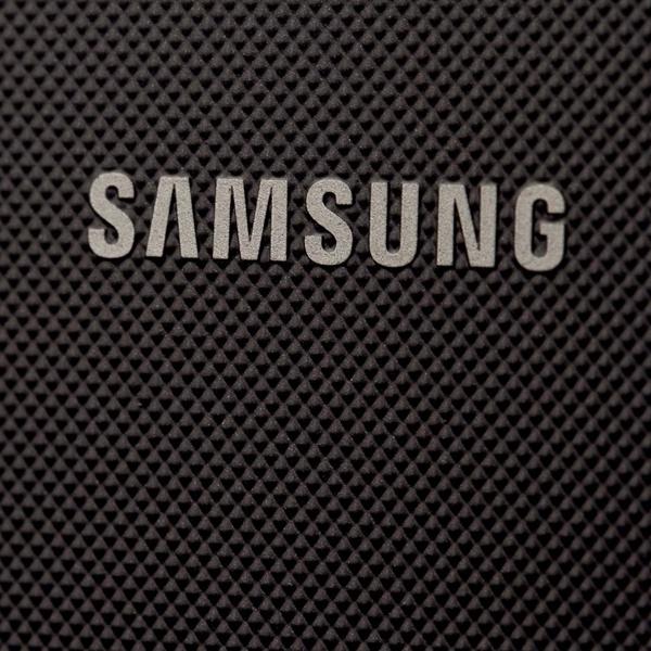 печать, бумага, До боли знакомый Tizen-смартфон от Samsung