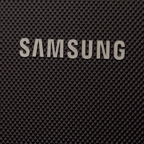 Samsung, Tizen, До боли знакомый Tizen-смартфон от Samsung