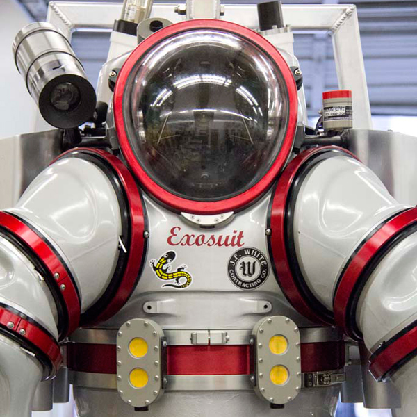 экзокостюм, Уникальный подводный скафандр заменит глубоководные плавательные средства