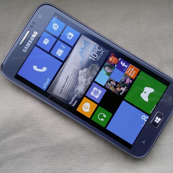 Samsung, Windows, Windows Phone, смартфоны, В Интернете появилось изображение первого телефона Samsung на Windows Phone 8.1