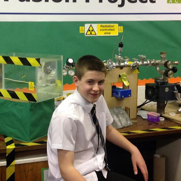 термоядерный синтез, ядерный синтез, Тринадцатилетний школьник провел реакцию термоядерного синтеза