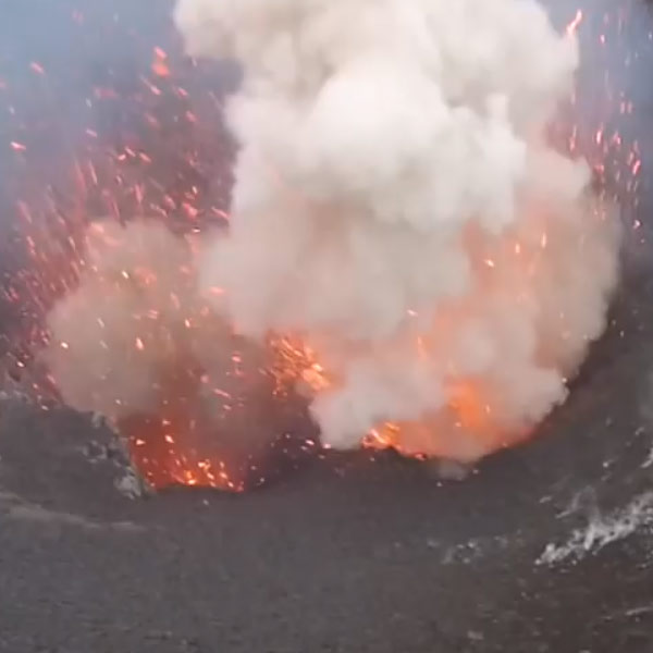 извержение,квадракоптер,дрон,беспилотник, Извержение вулкана «глазами» квадракоптера