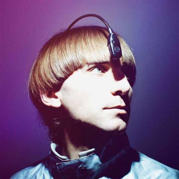 кибернетика, Художник, который не различает цвета, представил устройство «Eyeborg»