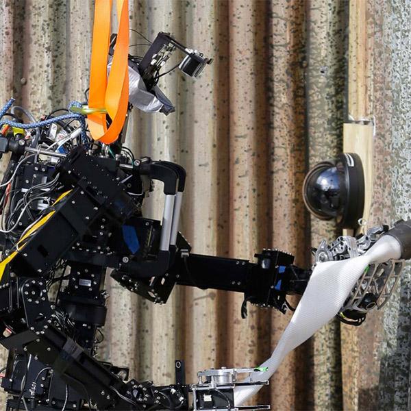 робот, роботехника, ВМС США готовы к испытаниям роботов-пожарных