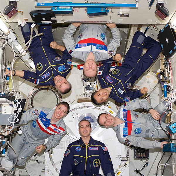 МКС, космос, США, Россия, Вопреки политике: как общаются космонавты на МКС