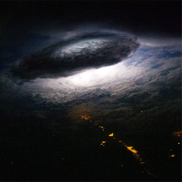 МКС,молнии,гамма-излучение, Как выглядят молнии с борта МКС