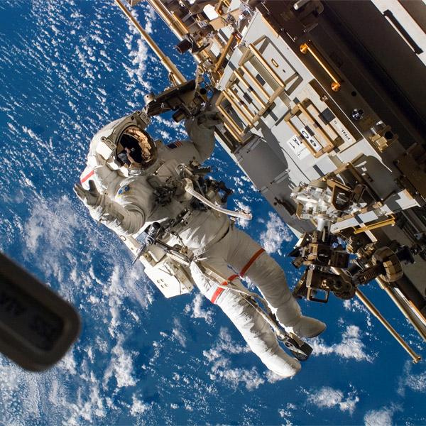 мозг, Из-за украинского кризиса NASA приостанавливают совместные работы с Россией