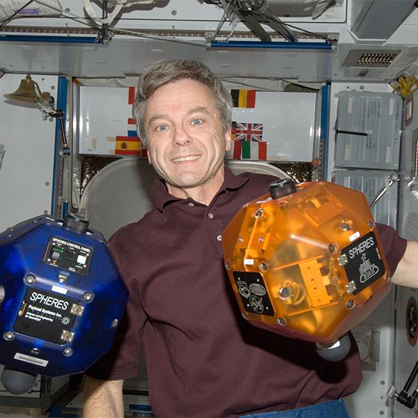 NASA, Project Tango, SPHERES, НАСА отправит в космос новый смартфон Google