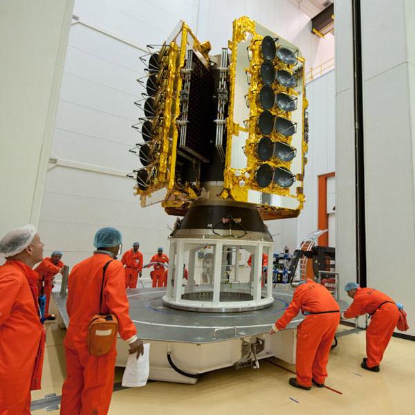 Луна, NASA, Wi-Fi, Google запустит 180 спутников для глобального покрытия интернетом отдаленных регионов