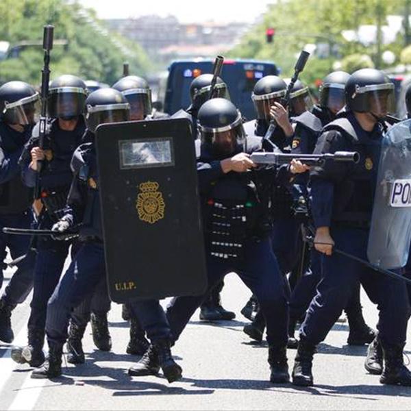 Дрон, беспилотник, беспорядки, акции протеста, ЮАР, Новый беспилотник будет разгонять протестующих